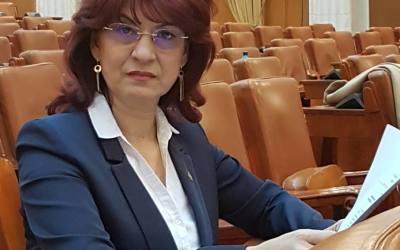 """Elena Hărătău: ,,Voi contribui în plan parlamentar la votarea unor legi benefice pentru români și pentru băcăuani"""""""