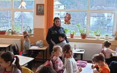 Daruri din suflet, oferite de poliţişti la Slănic Moldova