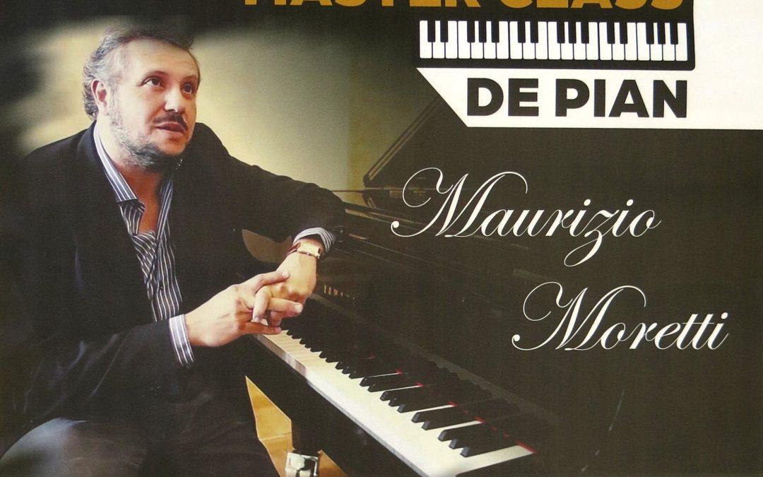 """""""Master class de pian"""" organizat la Centrul de Cultură """"George Apostu"""""""