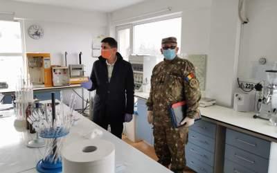 Un laborator privat din Bacău ar putea fi adaptat să proceseze teste pentru COVID-19