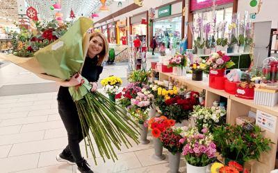 Iubește românește cu un buchet de flori de la Expresii Florale