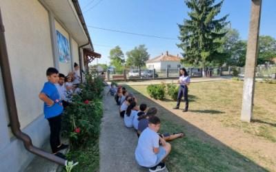 Activități educativ-preventive organizate de polițiști la școala de vară din satul Siretu, comuna Letea Veche