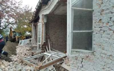 Doi bărbați au murit după ce zidul unei clădiri s-a prăbușit peste ei