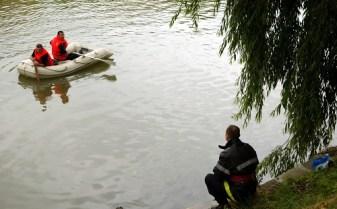 Băiat, posibil înecat la Sântana
