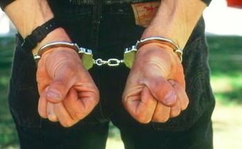 Tânăr care a furat dintr-un magazin și dintr-o casă din Timișoara, prins de polițiști