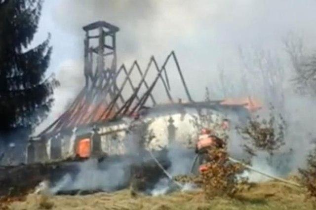 biserica povargina arsa