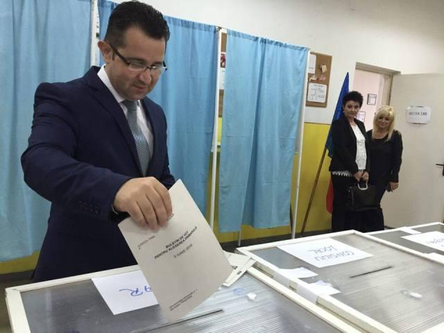 dugulescu la vot