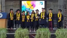 Absolvenţii Universităţii de Vest Timişoara şi-au primit diplomele în Piaţa Victoriei