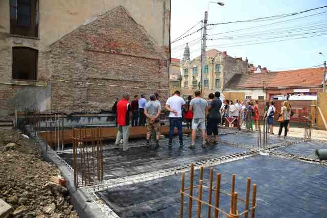 Se ridică un nou corp de clădire al grădiniței Liceului Bartok Bela din Timișoara