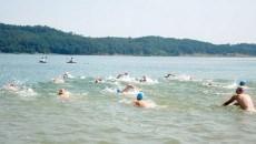 Înot în lacul Surduc