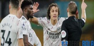Banding Arsenal untuk Kartu Merah Luiz Ditolak