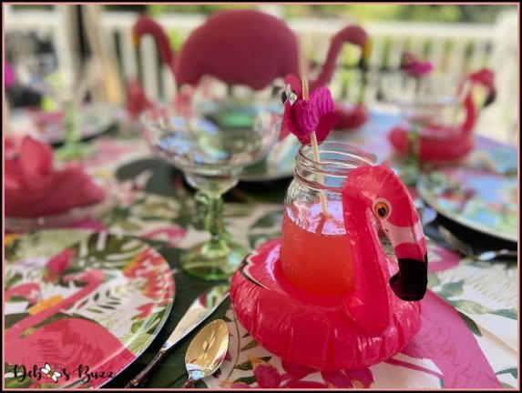 pink-flamingo-tropical-table-setting