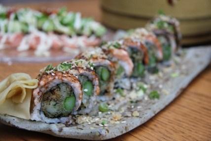 Minato - Kosher Sushi - Herzliya Pituach - Sushi Roll