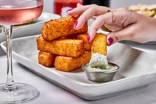 Gefen Bar - Kosher - Mazkeret Batya - Polenta Chips