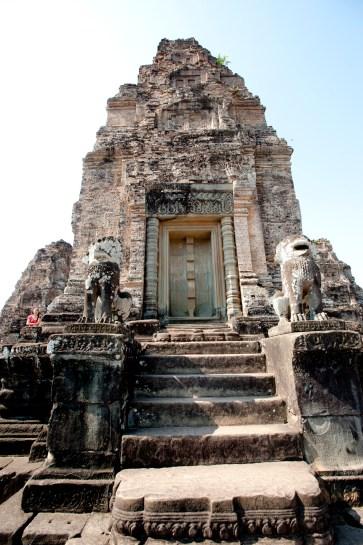 最上層的塔,假門有精緻美麗的雕刻