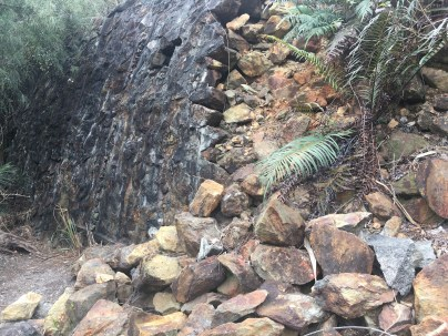 礦山護土牆