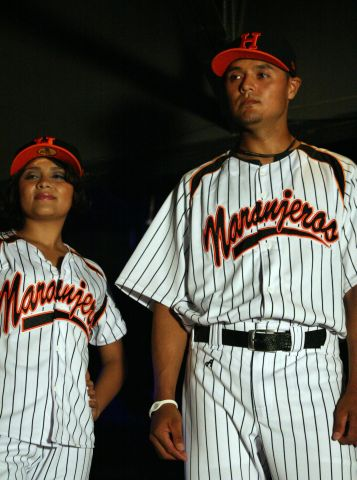 Presentación de uniforme de Naranjeros de Hermosillo