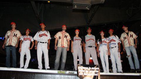 Presentación de los uniformes de Naranjeros de Hermosillo