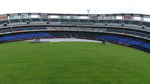 Lluvia en el Estadio de Beisbol Monterrey
