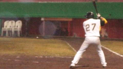 Iván Bellazetín de Chileros de Xalapa en la Final de la Liga Invernal Veracruzana