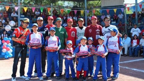 Peloteros de Clase AA de la Academia en la Liga Iturbiazul