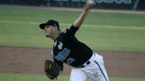 Danny Rodríguez, pitcher de Saraperos de Saltillo ante Petroleros