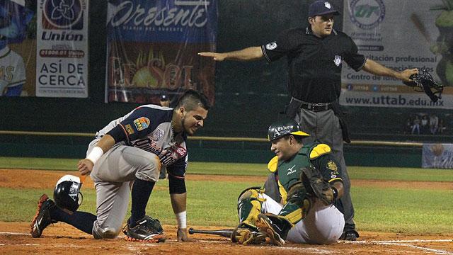 Alan Espinoza de Tigres de Quintana Roo