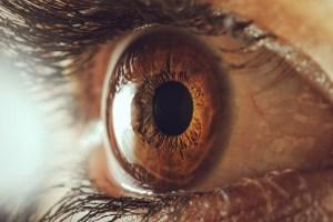 Mirar a los ojos de otra persona por 10 minutos puede alterar tu conciencia radicalmente