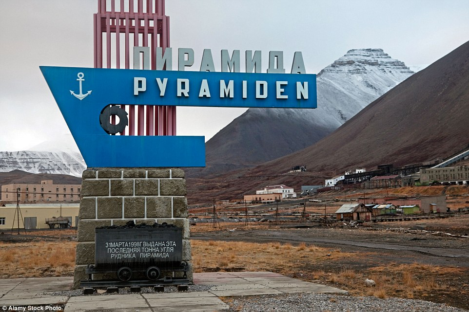 2CB8A31200000578-3247748-Named_after_a_pyramid_shaped_mountain_Pyramiden_Norway_was_a_Sov-a-1_1443510847200