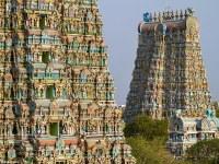 Las pirámides deslumbrantes de la India que son una explosión de tonos vibrantes y 33.000 esculturas