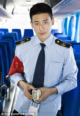 2D65DB4E00000578-3270684-Zhao_Haonan_21_the_most_handsome_bus_conductor_-a-12_1444811612668