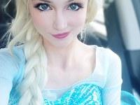 Fan de Disney gasta $ 14.000 para parecerse a una princesa de cuento de hadas