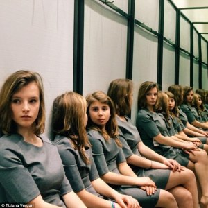¿Puedes contar cuántas chicas se encuentran en esta foto?