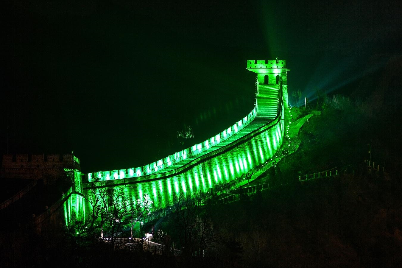 REPRO FREE 16/03/2015, China – Tourism Ireland's annual Global Greening initiative, to celebrate the island of Ireland and St Patrick, has gone from strength to strength – from its beginning in 2010, with just the Sydney Opera House going green, to this year, when about 150 landmark buildings and iconic sites across the world will turn a shade of green for our national day. PIC SHOWS: The Great Wall of China joins Tourism Ireland's Global Greening, to celebrate the island of Ireland and St Patrick. Pic – Tourism Ireland (no repro fee) Further press info – Sinéad Grace, Tourism Ireland 087 685 9027