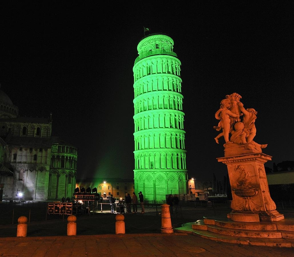 REPRO FREE 16/03/2015, Pisa, Italy – Tourism Ireland's annual Global Greening initiative, to celebrate the island of Ireland and St Patrick, has gone from strength to strength – from its beginning in 2010, with just the Sydney Opera House going green, to this year, when about 150 landmark buildings and iconic sites across the world will turn a shade of green for our national day. PIC SHOWS: The Leaning Tower of Pisa joins Tourism Ireland's Global Greening initiative, to celebrate the island of Ireland and St Patrick. Pic – Sarto Roberto (no repro fee) Further press info – Sinéad Grace, Tourism Ireland 087 685 9027