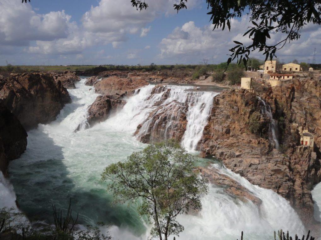 Cachoeira em Paulo Afonso, na Bahia.