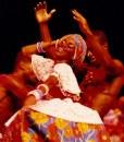 Balé folclórico da Bahia em apresentações no Teatro Castro Alves.