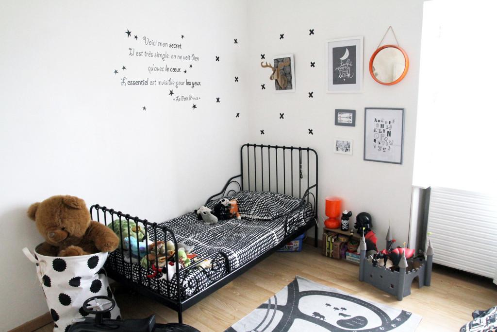 Chambre enfant en noir et blanc