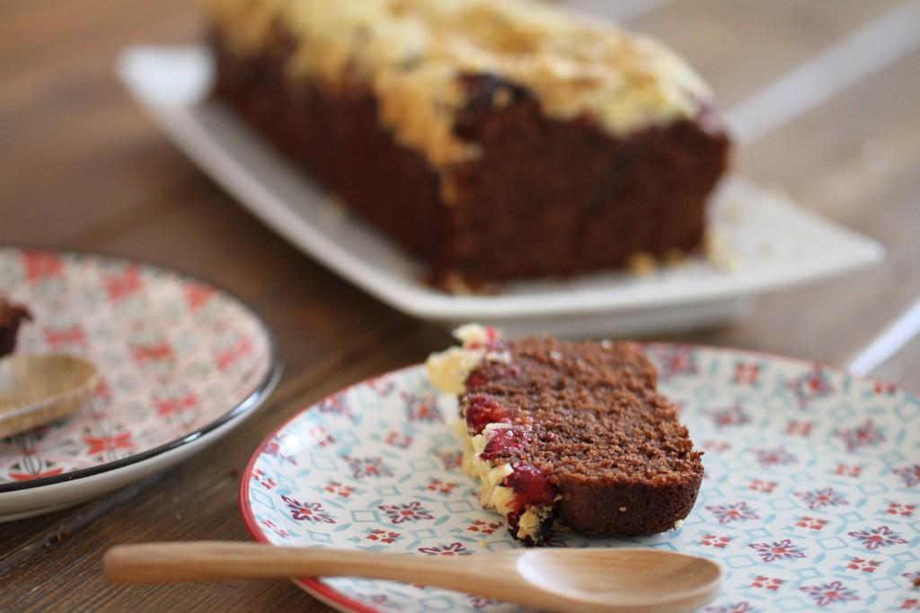 Crumble cake, chocolat & framboises