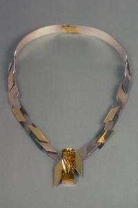 neckpiece_one