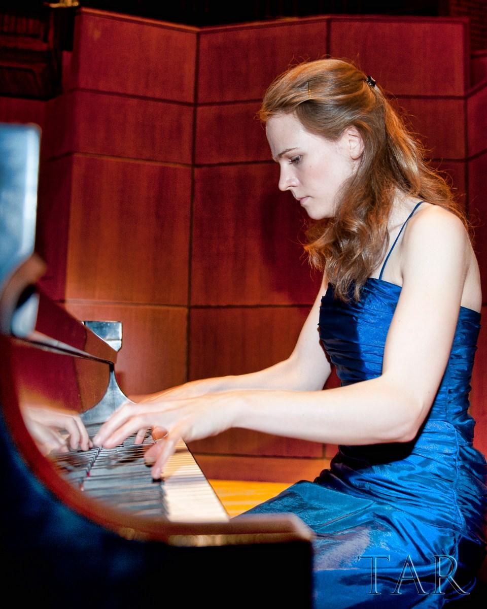 Deborah Grimmett, piano