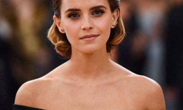 Pour la bonne cause, Emma Watson offre des livres dans le métro