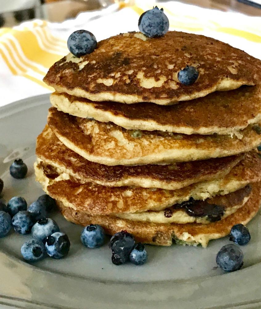 Gluten-free pancakes. Refined sugar-free. Healthy.