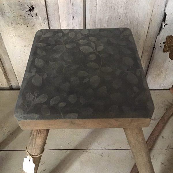 zwart met hout krukje
