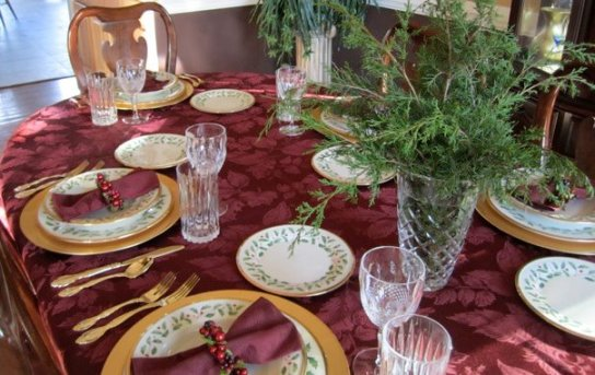 ChristmasDiningTable