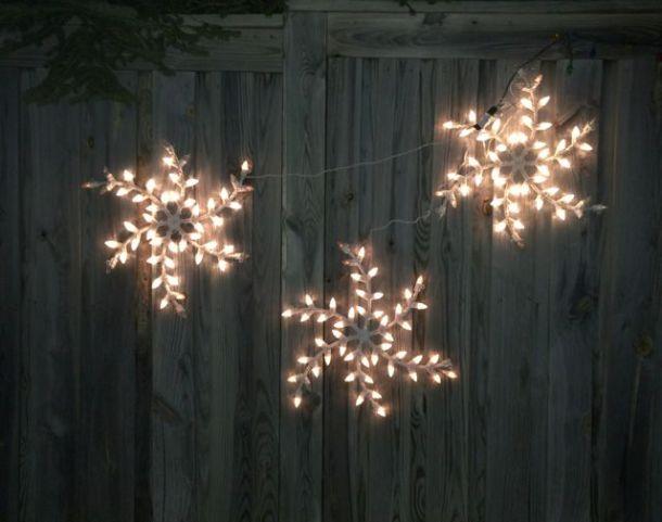 ChristmasLightsRunThreeSnowflakes