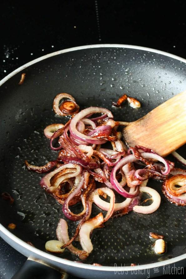 ciabatta met saucijs en provolone