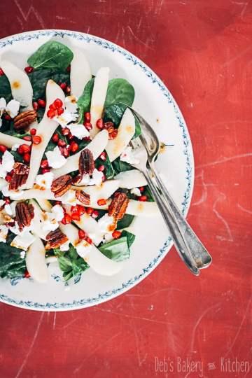 spinaziesalade met peer en pecannoten