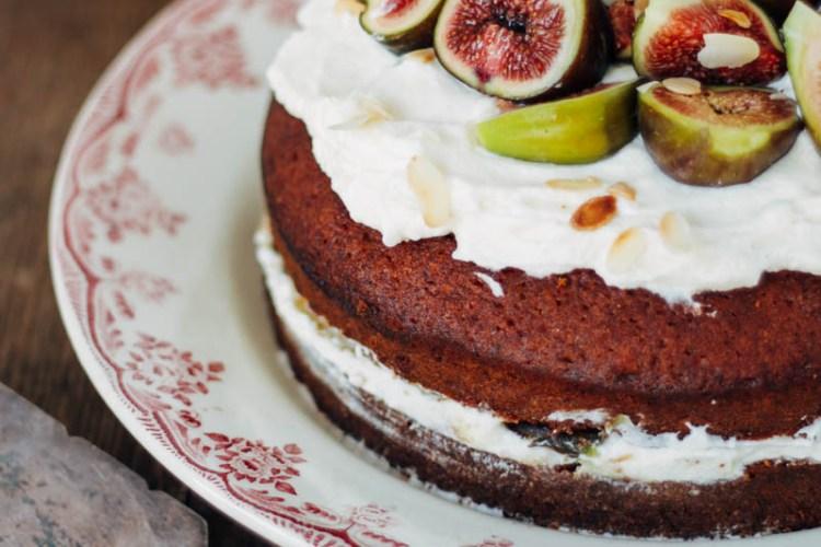 olijfoliecake met lavendelhoning en vijgen
