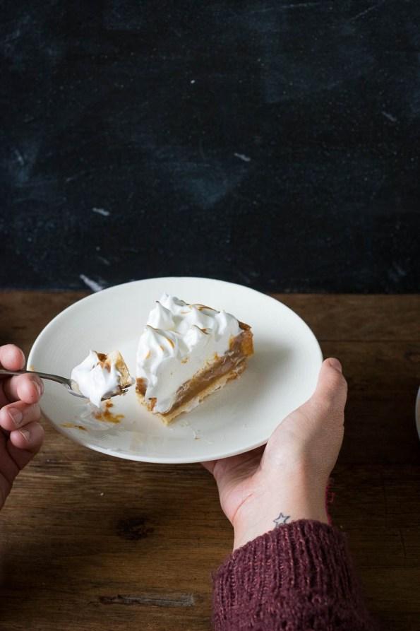 salted caramel meringue taart